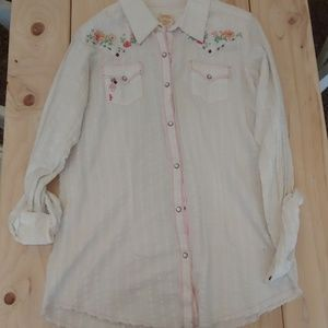 Raw edge pearl snap long sleeve cowgirl shirt